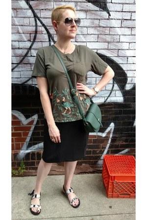 black pencil Mango skirt - dark green crossbody Nordstrom bag