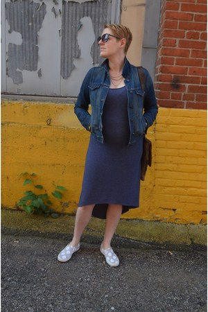 navy knit Le Tote dress - blue denim Old Navy jacket