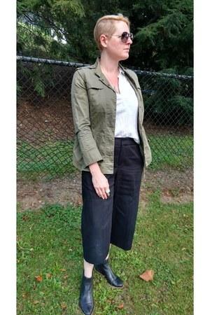 black chelsea Gap boots - olive green military MIKKAT MARKET jacket