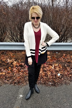 maroon tunic modcloth t-shirt - cream Anthropologie cardigan - black Gap pants