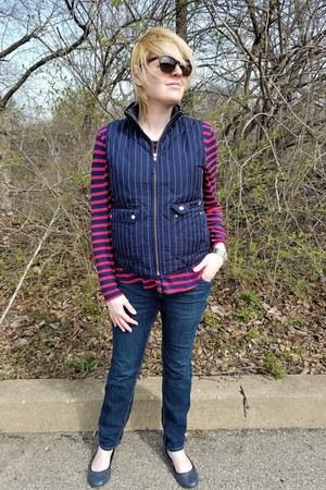 navy puffer JCrew vest - blue maternity Old Navy jeans