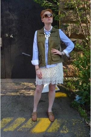 ivory lace MIKKAT MARKET skirt - beige loafers Forever 21 shoes