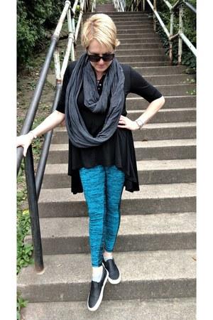 black knit tunic Urban CoCo top - teal athletic Target leggings