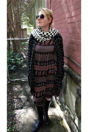 dark gray boho Mango dress - ivory checkered JCrew scarf