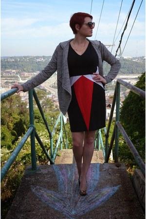 heather gray hoodie BB Dakota sweater - black Erin Featherston dress