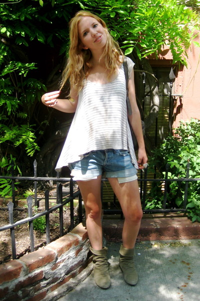 Urban Outfitters shirt - Levis shorts - vintage boots - st marks street bracelet
