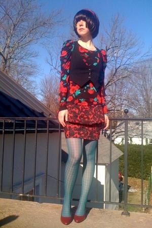black Forever21 top - black Target vest - red Forever21 skirt - green apostrophe