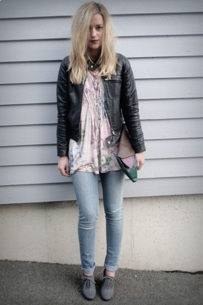 black leather jacket - gray lace up bootie shoes - blue skinny jeans - purse