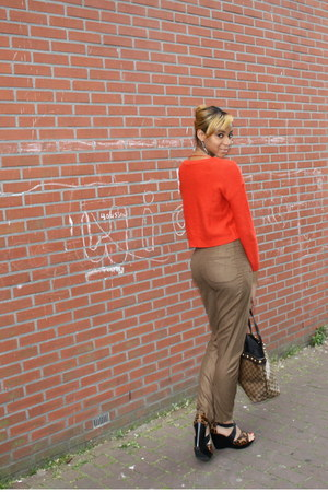 carrot orange H&M sweater - brown tote Gucci bag - brown Zara pants - black anim