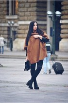 """Carafebrown coat&fall feeling"