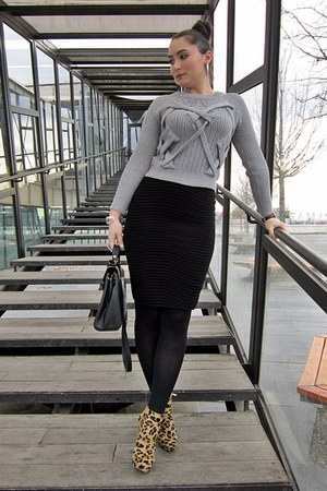 heather gray sammydress sweater - dark brown leopard print Zara boots