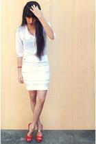 white Udobuy blouse - mustard Sammy dress ring - red Sammy dress watch