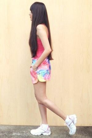 hot pink Sheinside shorts