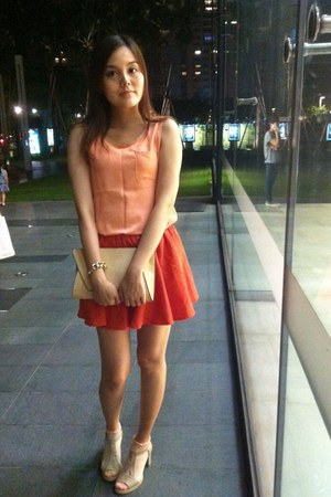 neutral Zara bag - peach socks - orange skirt - neutral heels - gold bracelet