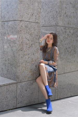 blue heels Zara boots - blue dress - navy hand bag - navy belt