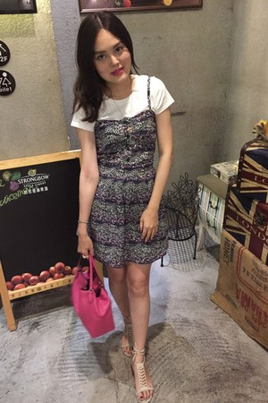 navy flora dress - hot pink coach bag - white Uniqlo t-shirt