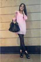 black leggings - black bag - black heels - light pink Zara top - gold bracelet