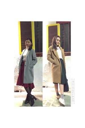 camel coat - heather gray Uniqlo coat - white floral shoes - navy longchamp bag