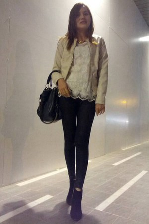 black boots - eggshell leather pull&bear jacket - black leggings - black bag