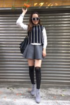 heather gray heels boots - black anna sui socks - off white sunglasses