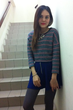 silver necklace - heather gray tights - blue skirt - silver bracelet