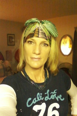 green Thrift Store scarf - navy hollister t-shirt - blue Thrift Store necklace -