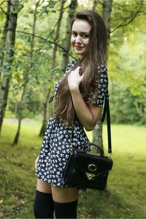 black vintage second hand bag - black platforms romwe sandals - navy clovers sec