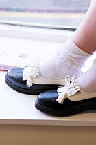 Cute Monochrome Tassel Brogues
