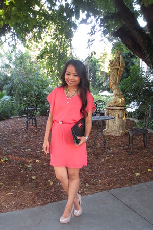unknown dress - unknown purse - Betsey Johnson necklace - Steve Madden pumps