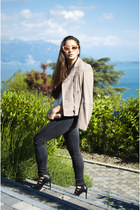 beige leather jacket sud express jacket - black sandals Zara shoes