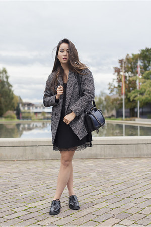 Esprit coat - Mango shoes - La Redoute dress - H&M bag - Morganne Bello ring