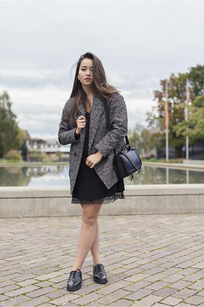 Esprit coat - Mango shoes - La Redoute dress - H&M bag - Morganne Bello ring
