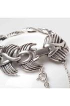 Black-water-moon-bracelet