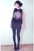 black top - black skirt