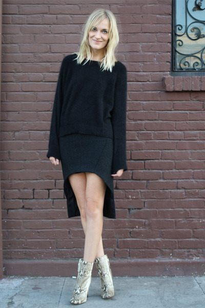 black Maria Vogel skirt - tan Zara boots - black H&M Trend sweater