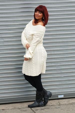 black Hunter boots - off white Victorias Secret dress