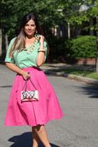 bubble gum Kara Ross NY bag - green new york & co shirt