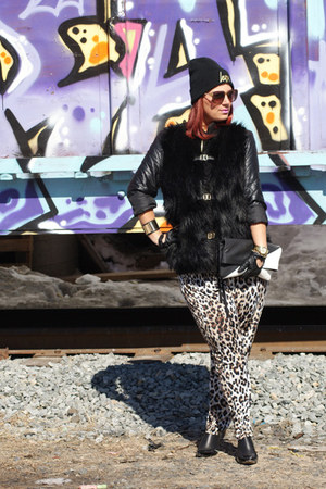 black leather jacket Zara jacket - black leather boots Ask Alice boots