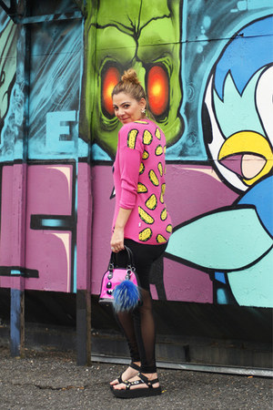 black Teva sandals - hot pink monster bag So So Happy bag