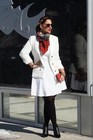black bootie heels ASKA boots - white Forever 21 blazer