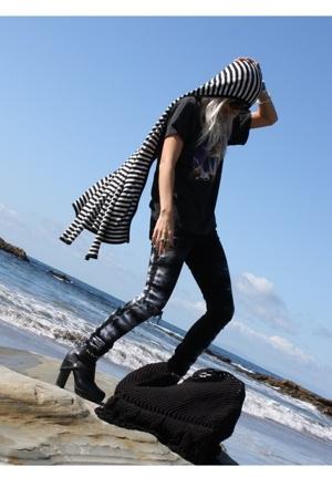 RVCA sweater - vintage t-shirt - Kill City pants - payless boots - RVCA purse