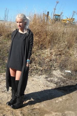RVCA sweater - Erin Wasson x RVCA t-shirt - H&M socks - vintage boots