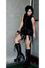 Black-roc-boots-black-diy-maldita-shorts-black-punk-rave-top