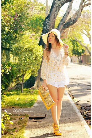 white shorts - yellow blouse