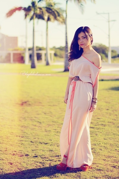 peach dress - carrot orange sandals