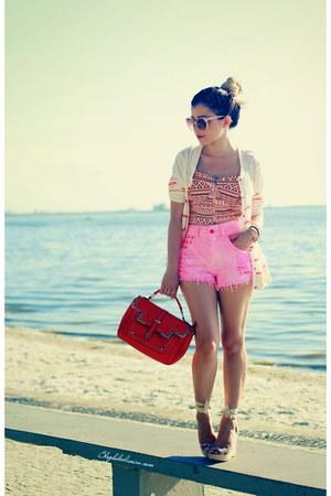 bubble gum shorts - salmon top - eggshell cardigan