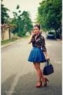 Black-blouse-blue-skirt