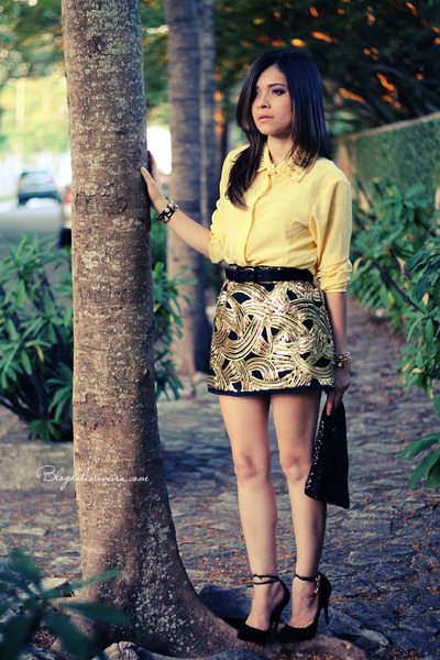 gold skirt - light yellow blouse