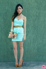 Light-blue-dress-burnt-orange-bag-burnt-orange-accessories-bronze-pumps