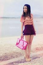 salmon shirt - maroon shorts